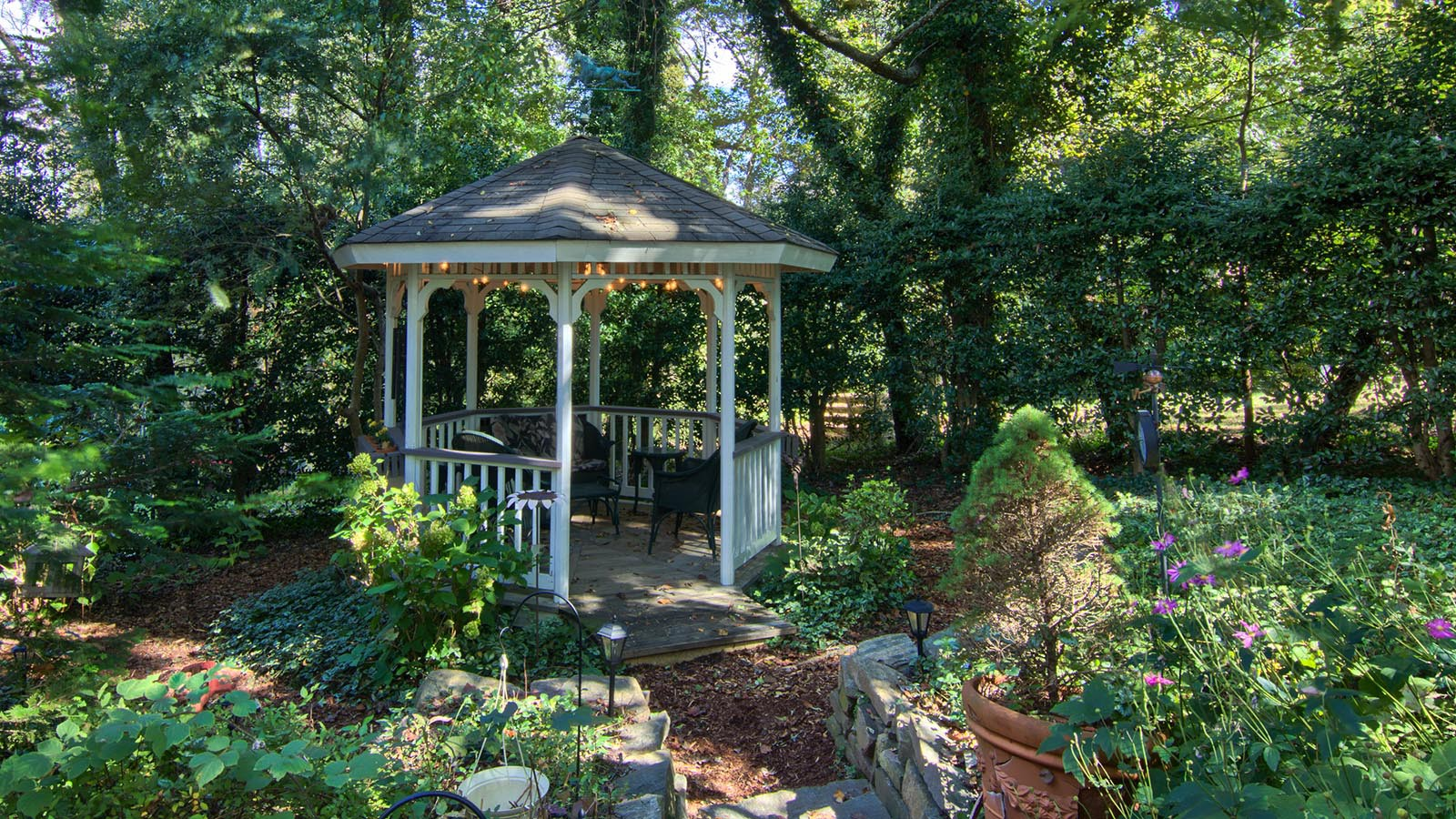 asheville-bed-and-breakfast-with-gardens